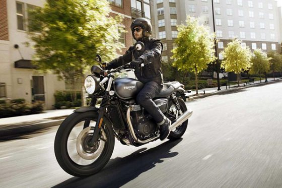 چگونه میتوانیم گواهینامه موتورسیکلت بگیریم؟